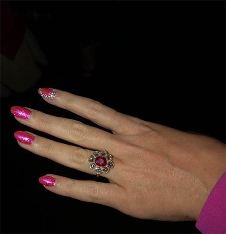 Американская певица Кэти Перри и британский актер Орландо Блум обручились в День святого Валентина.