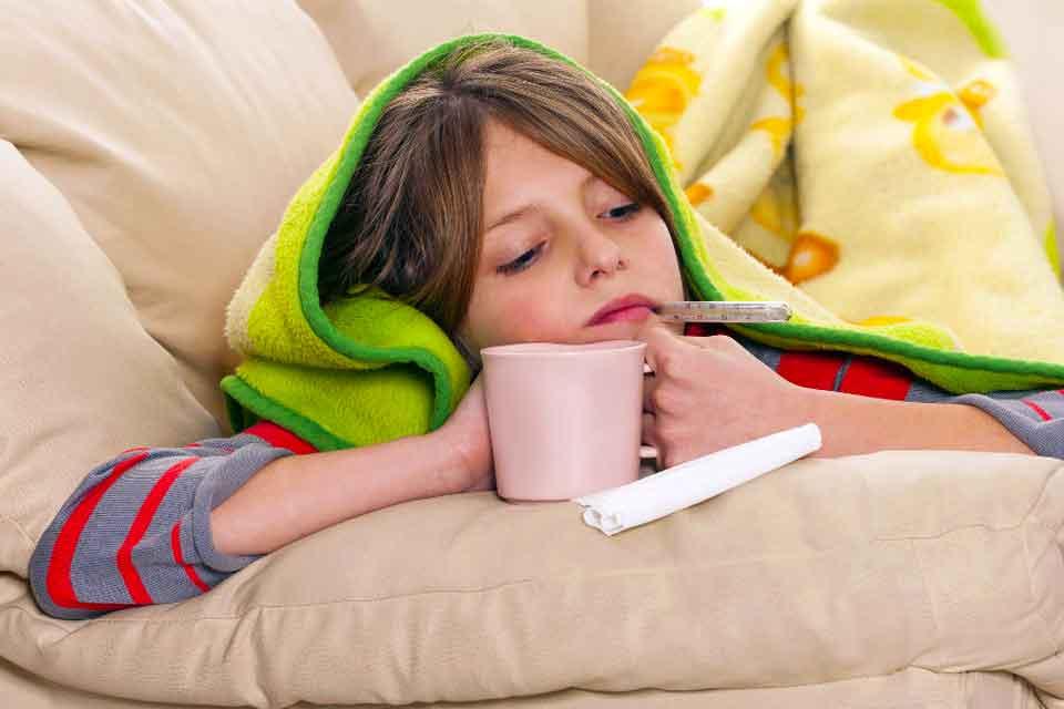 Дети, которые болеют свиным гриппом, могут выздороветь быстрее, если они проводят большую часть своего времени в постели и сохраняют гидратацию.