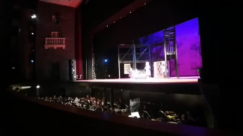 Provando WestSideStory al TeatroCarloFelice. Vi aspettiamo per iniziare l anno in Musical. Dall 1 al.mp4
