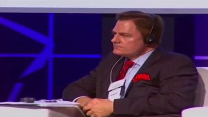 Ciro Gomes é humilhado por economista Americano