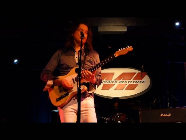 Robben Ford - Lovin' Cup - 1/11/14 Musicians Institute - Hollywood, CA
