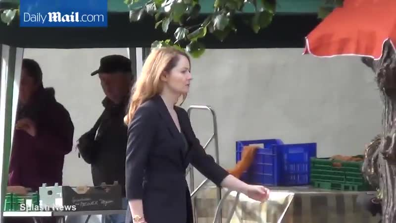 Miranda Otto and Claire Danes on set of Homeland 7 09 2015