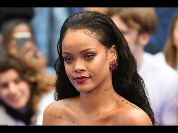 Ünlü Şarkıcı Rihanna, İç Çamaşır Defilesiyle Göz Kamaştırdı