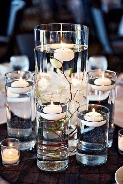 Плавающие свечи в декоре помогут задать романтический тон в интерьере