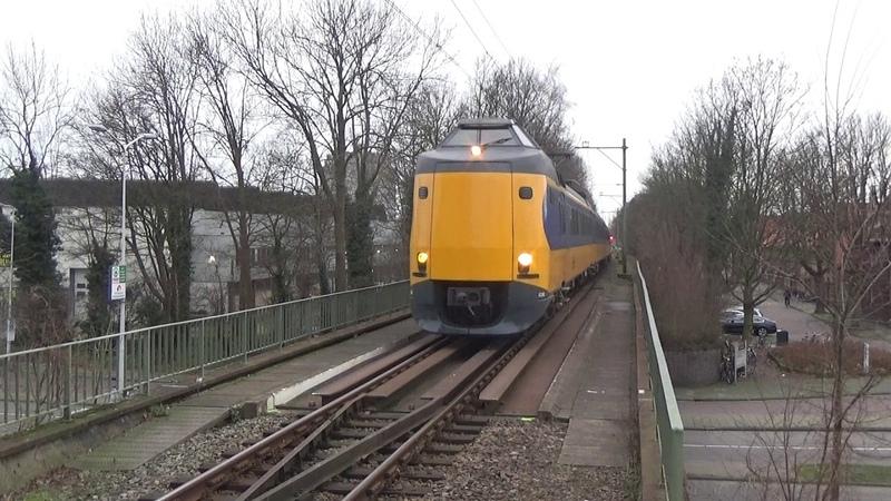 ICMm 4246 4091 komen aan in Leiden Lammenschans