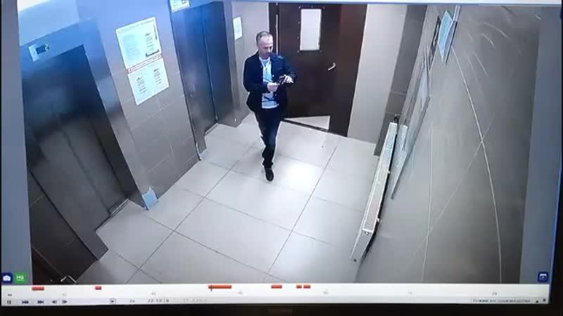 Депутат Киселев портит общедомовое имущество