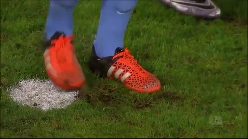 Вратарь Аугсбурга вырыл яму для пенальтиста Во даёт 😂