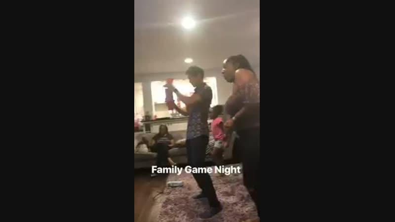 Harry enjoying family game night - - via @MsAmberPRiley IG stories.mp4