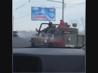 Новосибирцы едут на работу в мороз