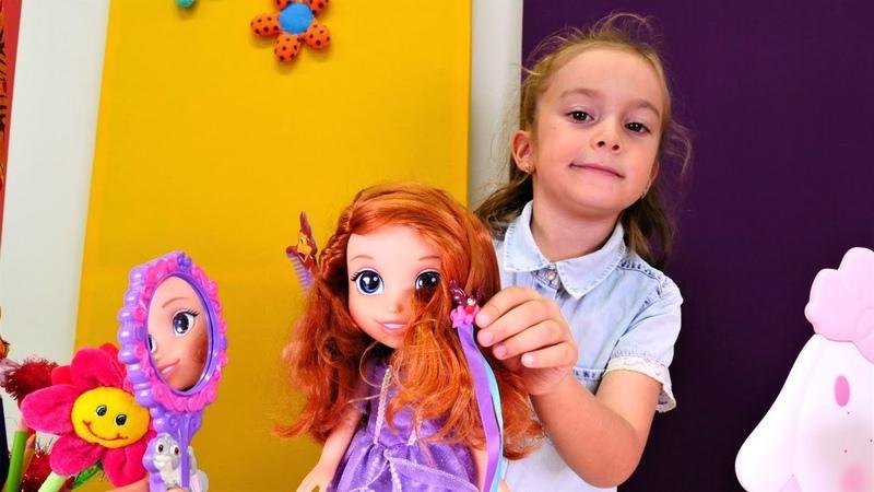 Çocuk videoları. Prenses Sofia ile evcilik oyunu