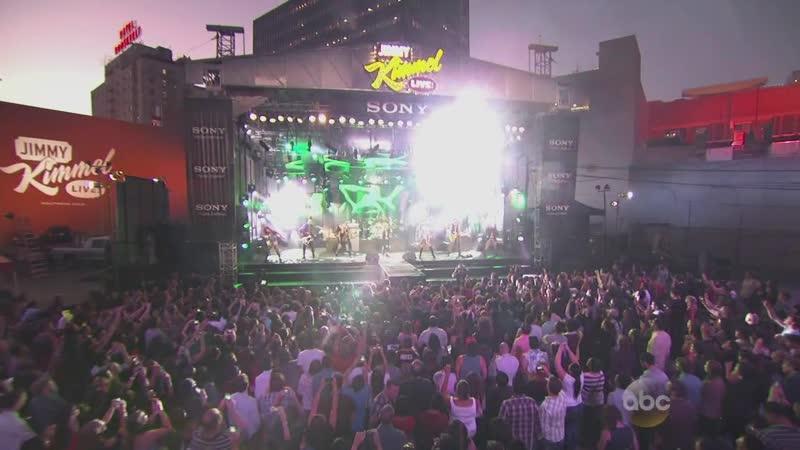 Avril Lavigne - Rock n Roll (Live Jimmy Kimmel 26.09.13) www.avril.ru