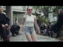 Léonie_Pernet_-_Butterfly_(Official_Video_Clip)