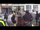 Gilets Jaunes : Antifascistes et casseurs dégradent La Nouvelle Librairie.