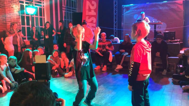 Battle033 Ракчеев Саша hip-hop lil kids 2-ой круг