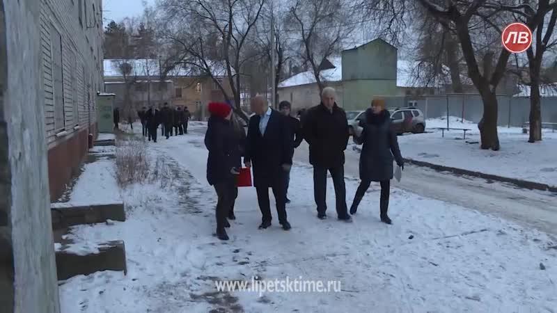 Игорь Артамонов поручил отремонтировать общежитие на Астраханской