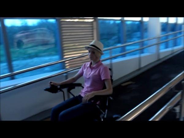 Электрическая инвалидная кресло коляска трансформер. вес 26 кг с батареями
