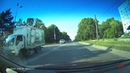 Мальчик резко выбежал из-за встречного грузовика на дорогу прямо под автомашину. Ужас!