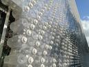 É possível construir um enorme edifício com garrafas PET?