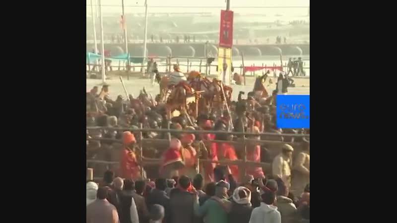 NC Празднование Кумбха Мела в Индии