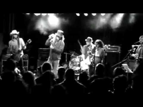 Dirty York - Born With A Broken Heart.mp4