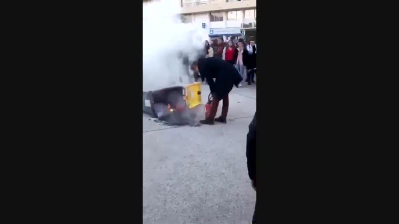 Le proviseur du lycée JulesGuesde de Montpellier a pris une canette pleine dans la tête en tentant de maîtriser un feu