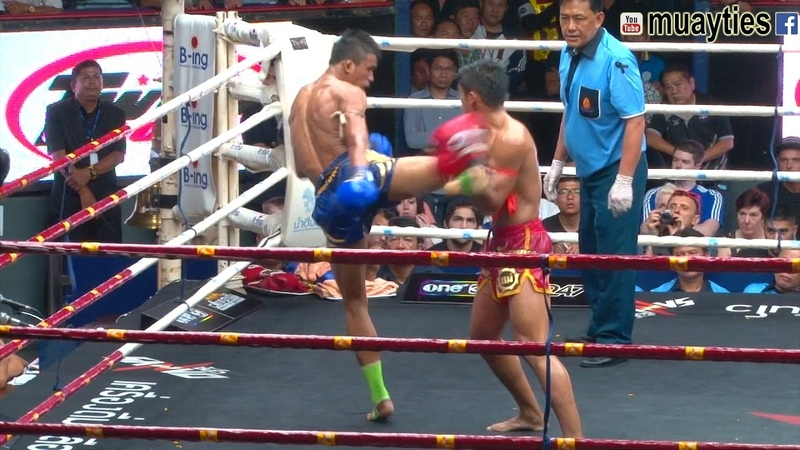 Muay Thai - Sangmanee vs Superlek (แสงมณี vs ซุปเปอร์เล็ก), Rajadamnern Stadium, Bangkok, 6.4.17