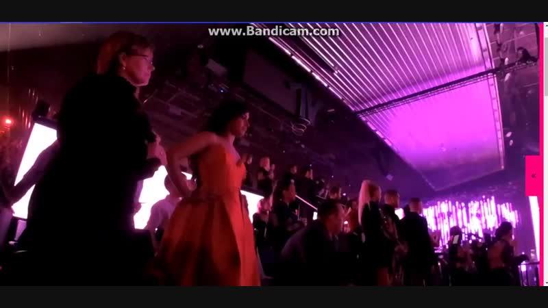 Камила Кабейо танцует под Woman Like Me