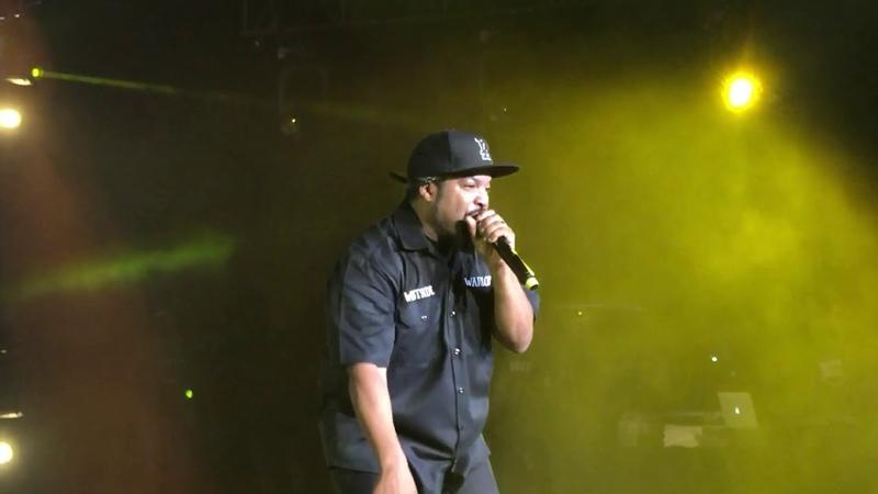 Гангста-рэпер Ice Cube выступил в Маунтин-Вью c треком It Was a Good Day. (13 октября 2018 г.) (видео)