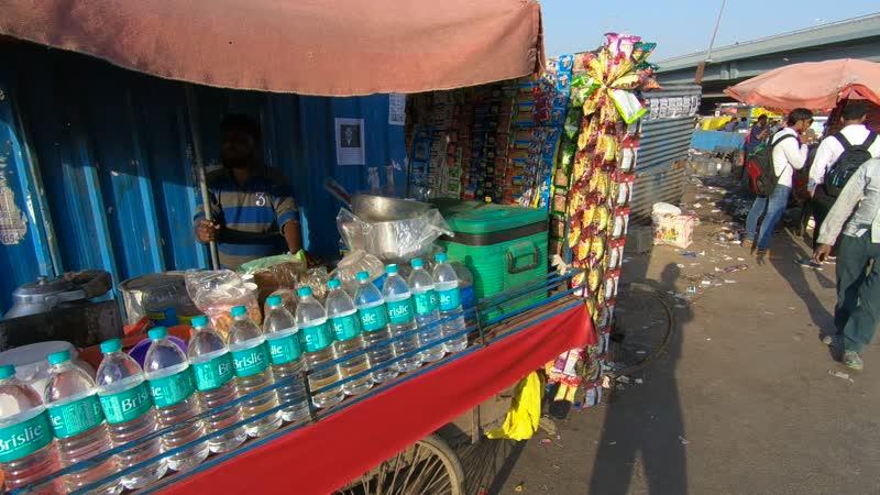 Реальная Индия. По улице короткими перебежками.