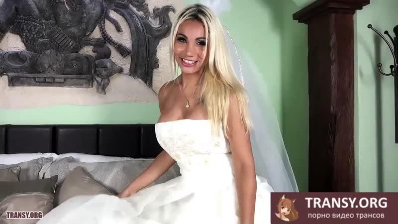 Trans-drochit-krupnyy-chlen-i-konchaet-na-zhivot-ot-silnogo-orgazma