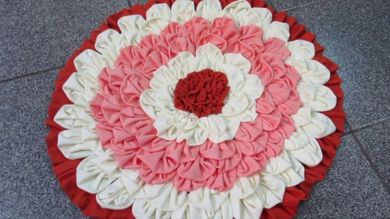 Tapete Flor - RETALHOS - How to make doormats using waste clothes - DIY doormats making idea-WOW