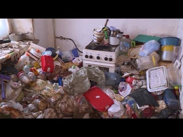 Уфимская пенсионерка 12 лет собирала мусор с окрестных помоек и несла к себе домой