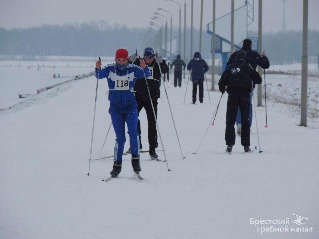 Брестский гребной канал приглашает на лыжные прогулки по трассе