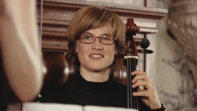 975 J. S. Bach / A. Vivaldi - Concerto in G minor, BWV 975 = Violin Concerto in G minor, RV 316 - Ensemble Kavka [Anna Fusek]