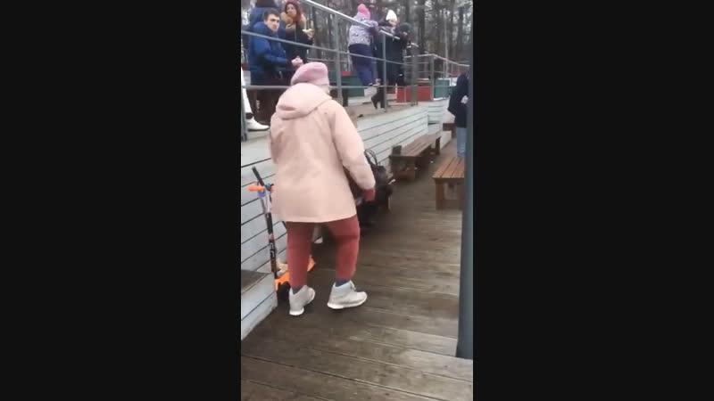 Бабка с бетонки