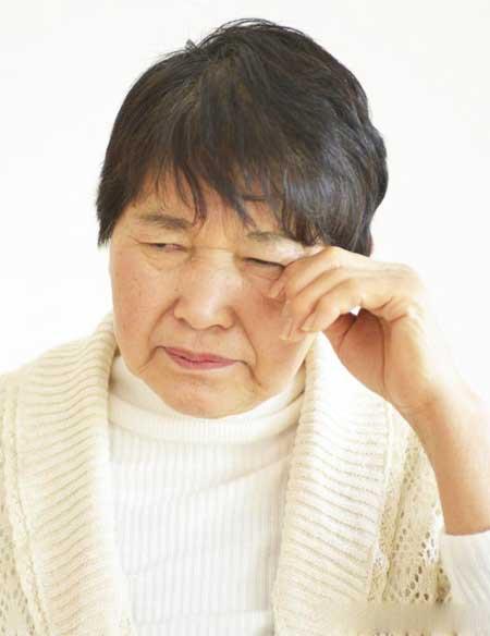 Карсонин может уменьшить или помочь предотвратить катаракту.