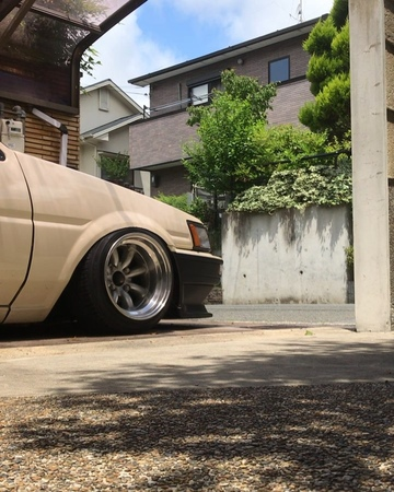 Keichiro0425 on Instagram たまには動画も…ね😜✨ 擦ってフェンダーアーチタイヤカスまみれ 車庫シリーズ ae86 ae70 levin rattlecrunker longchampxr4 rswatanabe 9j 10j 10 5J t