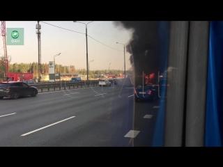 Пожар уничтожил автобус на трассе Очаков — Москва