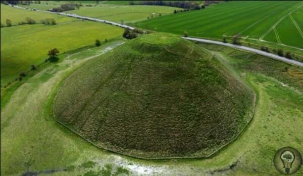 Загадка Силбери-Хилл: зачем люди построили этот огромный курган 5 тысяч лет назад В английском графстве Уилтшир расположен комплекс Эйвбери, состоящий из гробниц, курганов, доисторической
