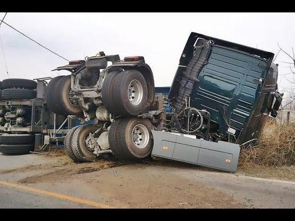 ULTIMATE FUNNY | LOUCOS DA RODAGEM | ACIDENTES INSANOS | Aconteceu Na ESTRADA TruckerFail