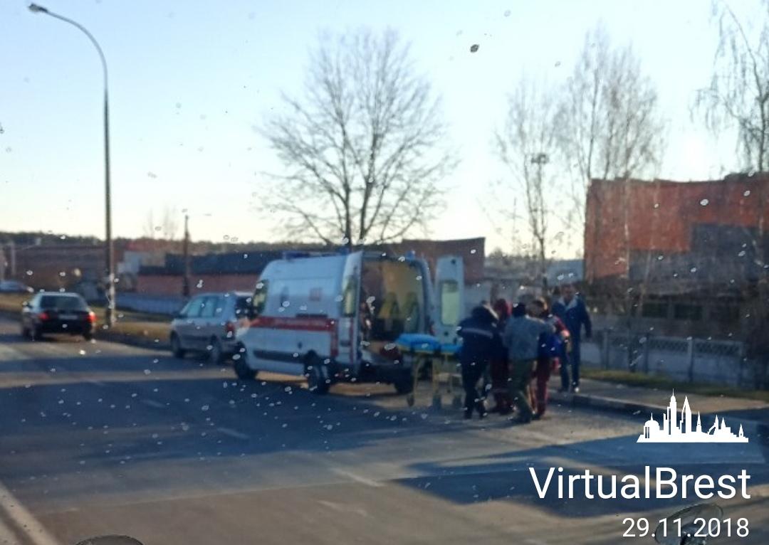 Серьёзное ДТП в Бресте на ул. Л.Рябцева, есть пострадавшие