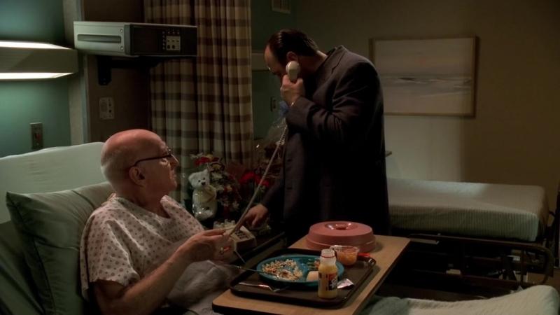 (Клан Сопрано S04E09_02) Тони придумал, как Джуниору отмазаться от тюрьмы