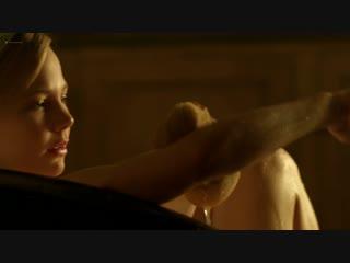 Ребекка Холл (Rebecca Hall) и Аделаида Клеменс (Adelaide Clemens) голые в сериале Конец парада (2012)