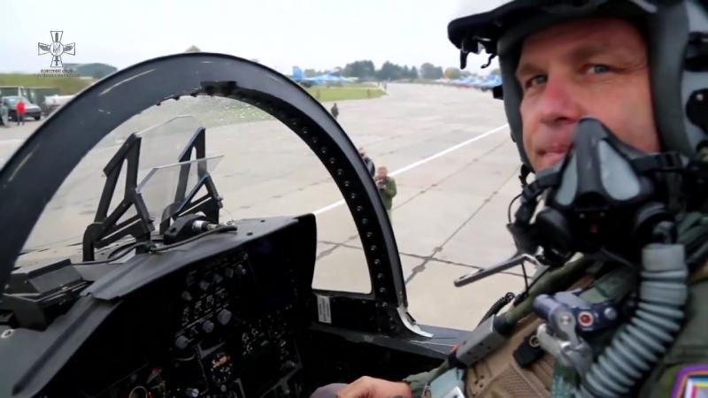 Українські льотчики разом з американськими пілотами одночасно виконають завдання у небі на Хмельниччині.