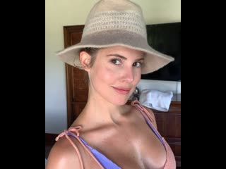 Packing for vacation vs packing to go home | amanda cerny