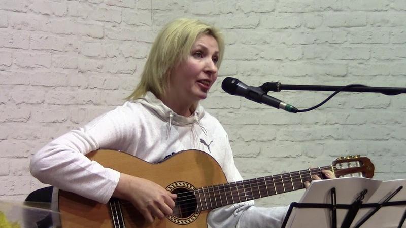 Лена Касьян. Она молчит...