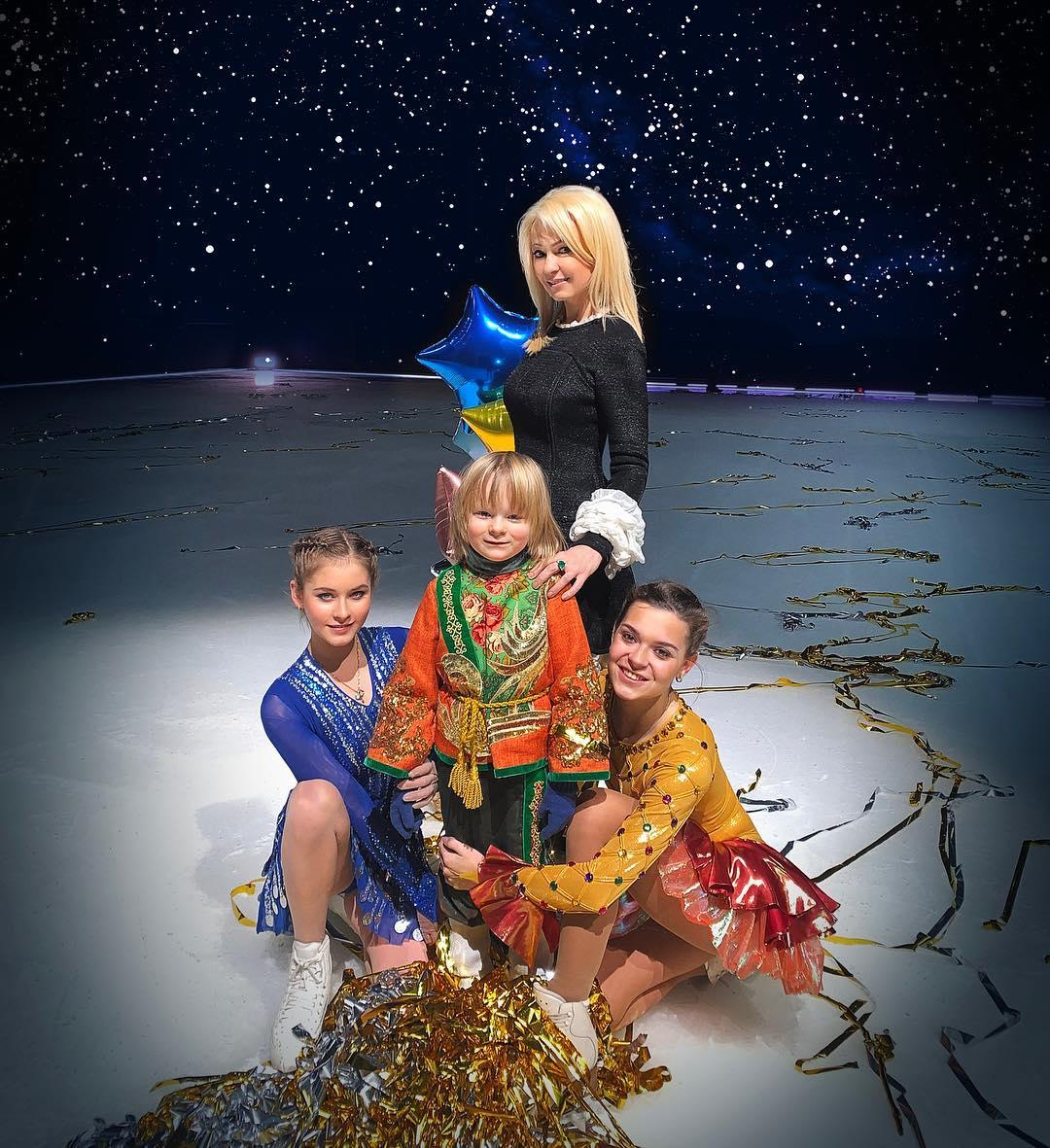 Ледовые шоу-5 - Страница 48 UKoe6Uah8AY