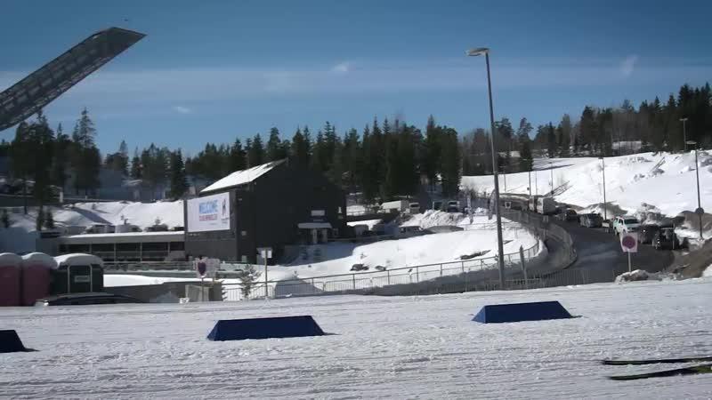 Первые тренировки биатлонистов в солнечном Холменколлене
