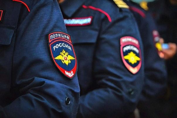 Разница между МВД и ФСБ Недаром Россию называют полицейским государством: одних лишь силовых структур здесь великое множество. Это и Следственный комитет, и Прокуратура, и ФСО. Однако больше