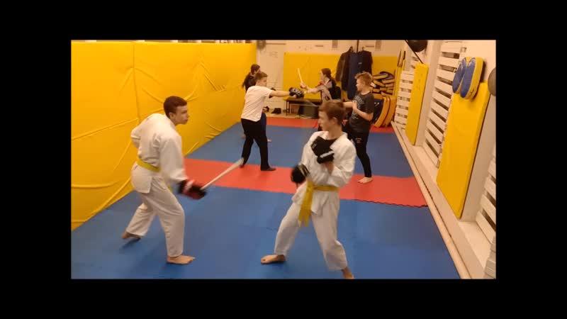 Старшая группа в Созвездии спортивно прикладое фехтование палочный бой